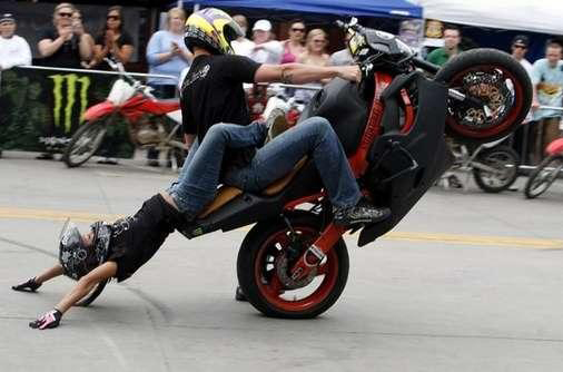 Photo11 Suicidal Lifestyles Motorcycle Stuntshow crop