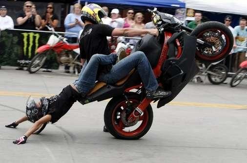 Photo11 Suicidal Lifestyles Motorcycle Stuntshow crop